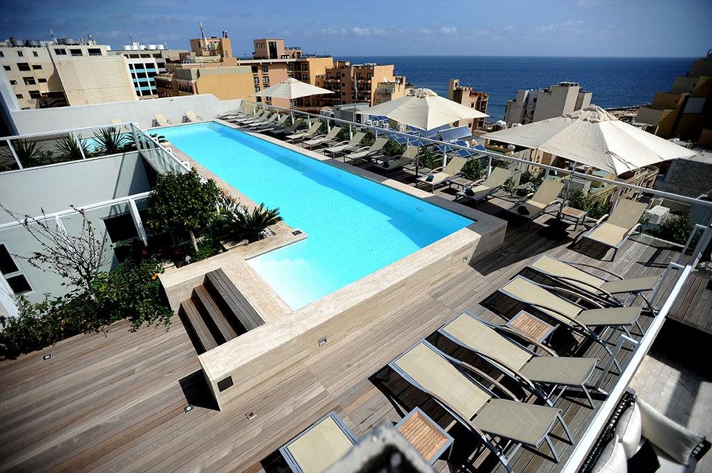Sky Rooftop Pool